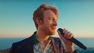 Finneas And Ashe Share A Swooning Rendition Of 'Till Forever Falls Apart' On 'Kimmel'