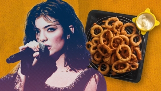 We Tried To Devise Lorde's Perfect Onion Ring — Here's The Recipe