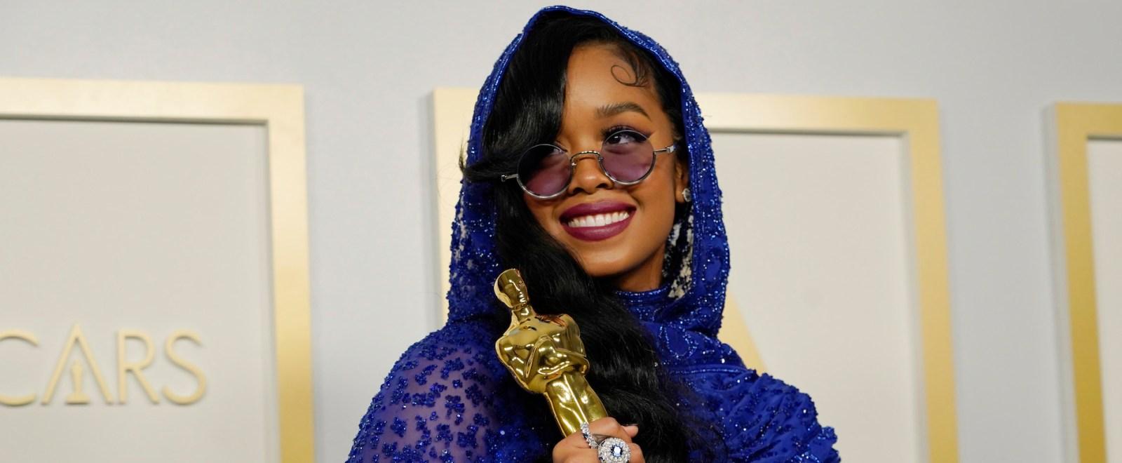 her-oscars-academy-awards-getty-full.jpg