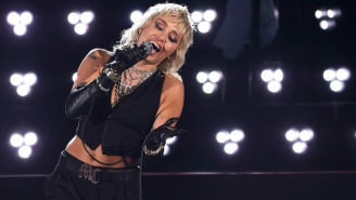 Miley Cyrus Covered Classic Queen, Stevie Nicks, And Blondie Songs During Her Men's Final Four Set
