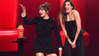 Kathryn Hahn And Elizabeth Olsen Are Being Called The 'Most Iconic Duo' Following Their MTV Awards Acceptance Speeches