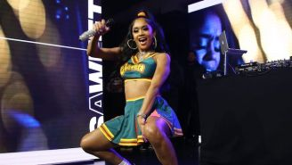 Saweetie Shoots Down Rumors She Was Busking For Tips After Her Impromptu Santa Monica Pier Performance