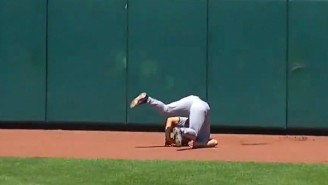 Twins CF Rob Refsnyder Ran Straight Into The Wall Chasing An Orioles Home Run