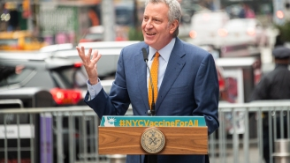 New Yorkers And Pizza Lovers Everywhere Want To Impeach NYC Mayor Bill de Blasio For His 'Trash' Taste In Pizza Toppings
