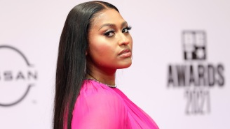 Jazmine Sullivan Dazzled By Performing 'On It' With Ari Lennox And 'Tragic' At The BET Awards