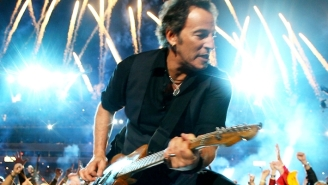 Bruce Springsteen Confirmed A 2022 Tour With The E Street Band, And Has A Collaboration With The Killers