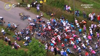 A Fan Caused A Massive Wreck At The Tour De France With A Big Cardboard Sign