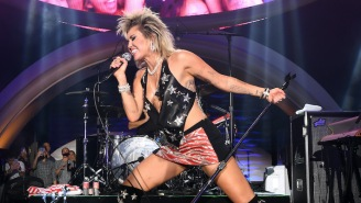 Miley Cyrus Covers A Cleverly Chosen Cocteau Twins Classic Live In Las Vegas