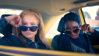 Kristen Bell And Kirby Howell-Baptiste Run A Multi-Million Dollar Coupon Scam In The 'Queenpins' Trailer
