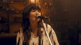 Courtney Barnett Delivers A Warm Performance Of 'Rae Street' On 'The Tonight Show'