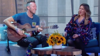 Coldplay's Chris Martin Blows Kelly Clarkson Away By Singing 'My Universe' In Korean