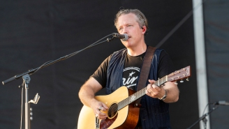 Jason Isbell Doesn't Love The CMAs Apparently Requiring COVID Vaccinations For Attendees But Not Artists