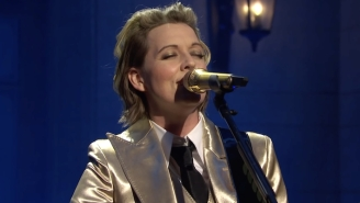 Brandi Carlile Makes Her Debut On 'SNL' With Performances Of 'Broken Horses' And 'Right On Time'