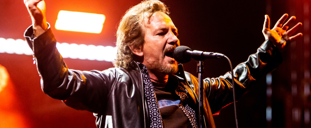 After More Than 30 Years, Pearl Jam Is Still A Singular, Cathartic Live Experience